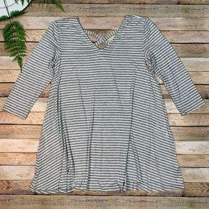 Olivia Sky M Grey and White striped Tunic